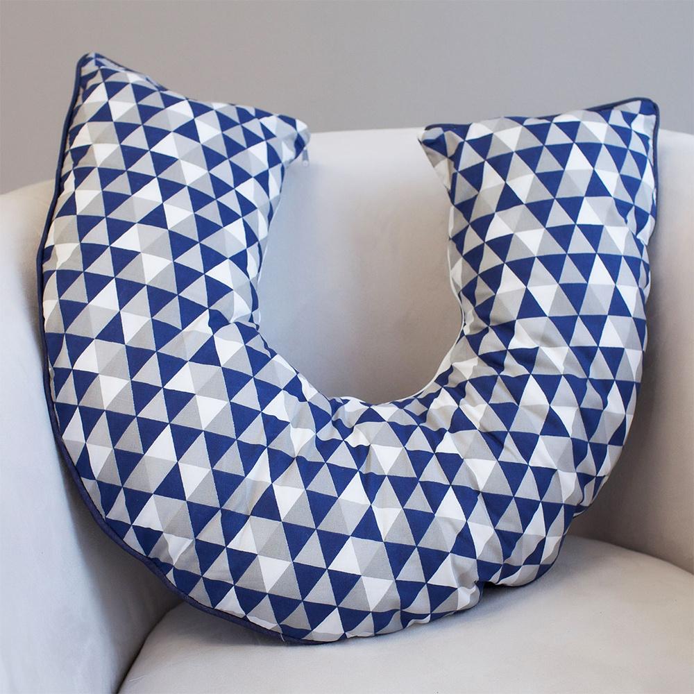 Almofada De Amamentação De Bebê 50Cm x 50Cm 100% Algodão - Triângulos Marinho