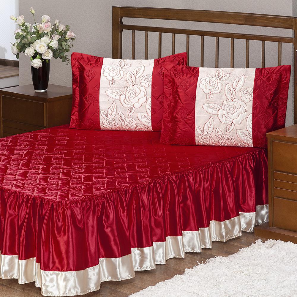 Colcha De Casal Padrão Matelado Com Babado Tecido Cetim 03 Peças Rosas - Vermelho