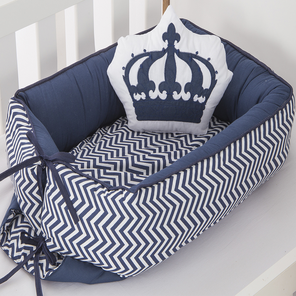 Ninho Para Bebê Redutor De Berco 02 Peças 70cm x 50cm 100% Algodão Menino Coroa Imperial - Azul Marinho
