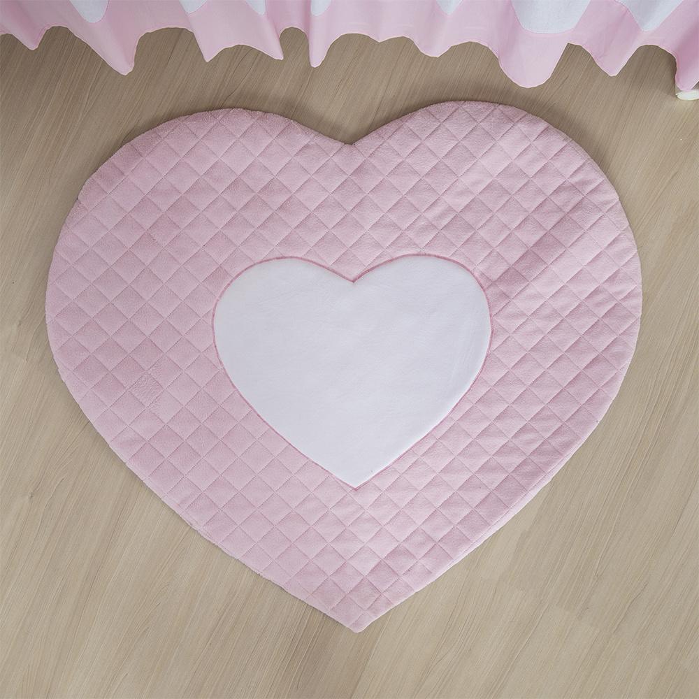 Tapete Para Quarto De Bebe 1,20m x 50cm Matelado Formato Coração - Rosa