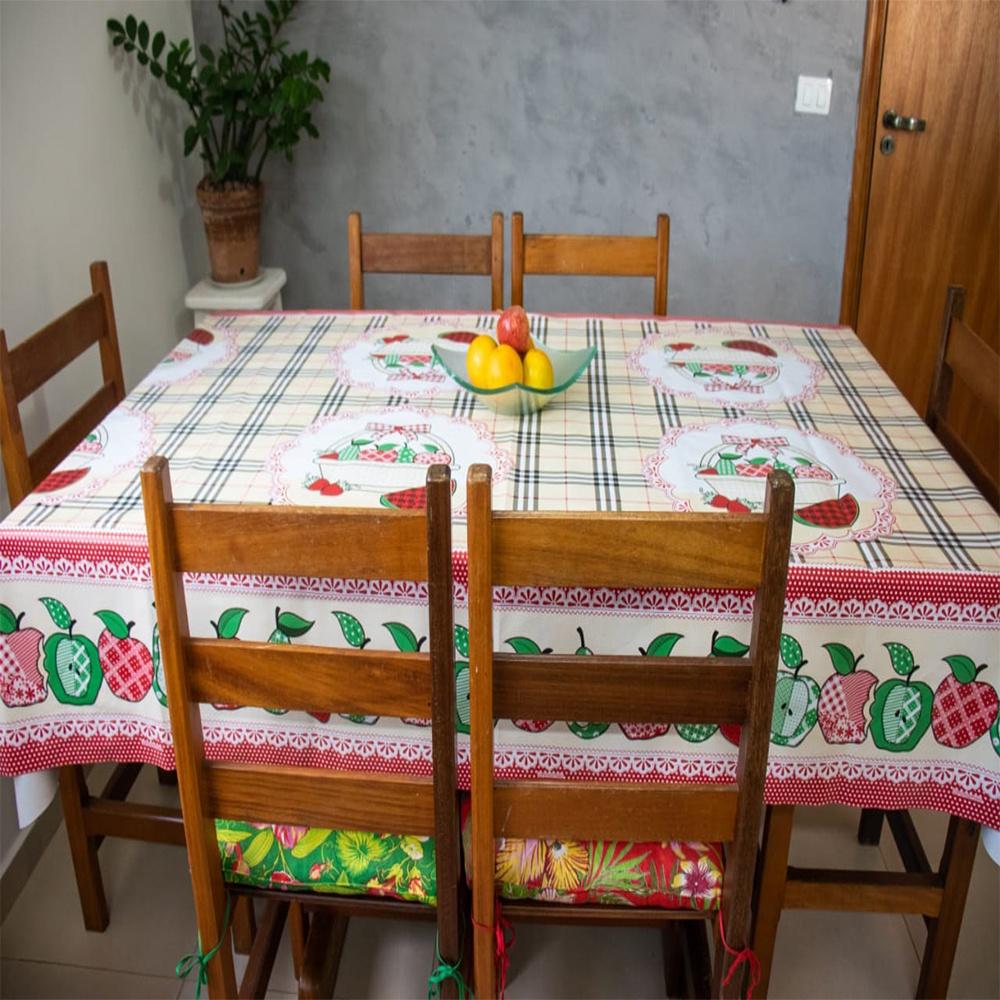 Toalha Para Mesa De 06 Cadeiras Retangular 2,20M x 1,40M Plástica Impermeável Térmica - Frutas